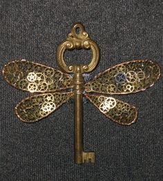 Love love love it. Steampunk flying key from Harry potter. Would be an awesome tat.
