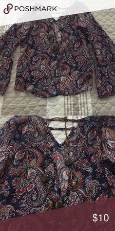 Paisley peasant blouse-adorable! Pretty paisley peasant blouse with flared sleeves. Worn once Chic Happens Tops Blouses