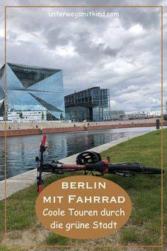 Fahrradtouren in Berlin mit Kindern oder ohne: 7 Routen durch die City, ins Grüne, am Wasser entlang, zum Sightseeing, auf dem Spreeradweg und auf dem Mauerradweg - und eine Extratour in Potsdam. Unsere Erfahrungen und Tipps einer Einheimischen mit Routen-Beschreibungen zum Nachfahren. #fahrradtouren #berlin #berlinmitkindern #radfahren #radtour #fahrradtour #route #tipps #erfahrungen #berlinreise Berlin By Bike, Parks, Berlin Germany, Travel, Traveling With Children, Potsdam, Family Vacations, Recovery, Viajes