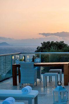 Family Villas in Crete, Chania, Kreta Villa luxury rentals in Chania, Rethymno, Elounda Romantic Places, Romantic Vacations, Summer Vacations, Beautiful Places, Riviera Maya, Sky Sea, Am Meer, Travel Couple, Crete