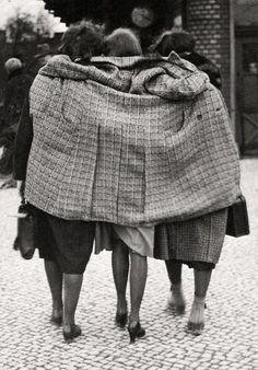 Berlin, 1930. Photo by Friedrich Seidenstücker.