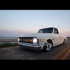 """""""Hot Wheels - Very cool C10 shot via @solofilmsdvd, really feeling the white paint and big billets setup! #chevrolet #gmc #c10 #airsuspension #bagged…"""""""