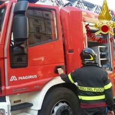 Offerte lavoro Genova  Nessun ferito tutti sono riusciti a scendere in tempo  #Liguria #Genova #operatori #animatori #rappresentanti #tecnico #informatico Chiavari auto a fuoco in autostrada