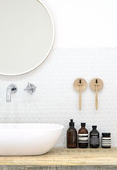 DIY wall mounted toothbrush holder - DIY home decor - Your DIY Family Laundry In Bathroom, Small Bathroom, Bathroom Cabinets, White Bathroom, Budget Bathroom, Bathroom Renovations, Neutral Bathroom, Bathroom Images, Bathroom Wallpaper