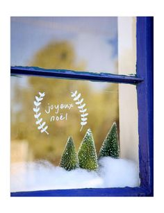 The Christmas countdown has begun! What are your plans for the French Christmas, Noel Christmas, Christmas Ideas, Christmas Countdown, White Christmas, Diy Xmas, Decoration Vitrine, Christmas Window Decorations, Merry And Bright
