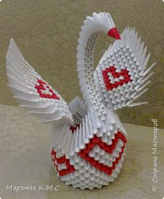 Master class na origami modułowym ze schematem: Swan in love 3d Origami Swan, Origami Paper Art, Diy Origami, Paper Butterflies, Paper Flowers, Valentines Day Hearts, Valentine Day Gifts, Paper Swan, Diy And Crafts