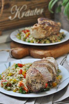Kurczak w ziołach prowansalskich Halloumi, Tzatziki, Kraut, Salmon Burgers, Mozzarella, Poultry, Ethnic Recipes, Food, Bulgur