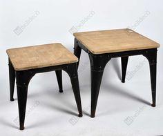 Ciekawy stolik Belldeco z metalową podstawą z widocznymi śrubami oraz drewnianym blatem z zaokrąglonymi kątami a zarazem o klasycznym kształcie!  Więcej na www.lawendowykredens.pl