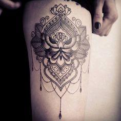 caro, tattoo artist (17)