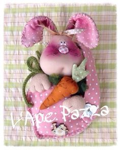 Kit primavera 2015 : Kit coniglio nella borsetta Softies, Plushies, Happy Easter, Easter Bunny, Felt Crafts Dolls, Easter Crafts, Doll Clothes, Christmas Ornaments, Holiday Decor