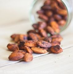 Chili Lime Spiced Almonds - **cut back on the chili powder and cayenne if you are using ones bought at the Mexican grocery store. Spiced Almonds, Roasted Almonds, Flavored Almonds Recipe, Pistachios, Savory Snacks, Healthy Snacks, Healthy Recipes, Heathy Treats, Quick Snacks