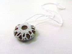 Stone crochet necklace. do it yourself #diy #recycled