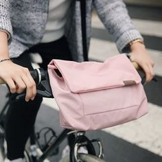 Learn more about the Basic Daily Messenger Bag v2!