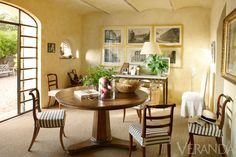 If you are having difficulty making a decision about a home decorating theme, tuscan style is a great home decorating idea. Many homeowners are attracted to the tuscan style because it combines sub… Tuscan Style Homes, Tuscan House, Design Toscano, Blue Shutters, Under The Tuscan Sun, Warm Home Decor, Tuscan Design, California Cool, Mediterranean Home Decor