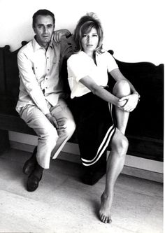 Michelangelo Antonioni e Monica Vitti Michelangelo Antonioni, Classic Actresses, Actors & Actresses, World Icon, Cartoon Tv Shows, Italian Actress, Famous Models, Film Aesthetic, Cultural