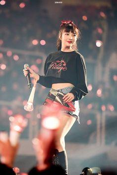 Seulgi, Kpop Girl Groups, Kpop Girls, K Pop, Red Velvet Photoshoot, Joy Rv, Queens, Red Velvet Joy, Kpop Outfits