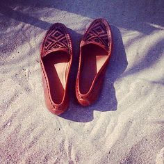 Joie shoes, sandy toes -- perfection!