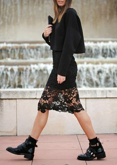 cool girl combo: black boots and a lace skirt // via  Tendances de Mode