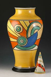 Art-deco-vase-clarice-cliff