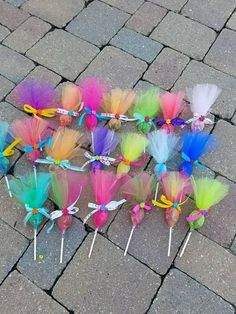 Items similar to Troll pops party favor 36 pack. Put your hair in the air with these cute party favors. Made in any color combinations, just ask! This listing is for a 12 pack of assorted c… Festa do trolls Arts And Crafts Ideas Trolls Birthday Party, Troll Party, 3rd Birthday Parties, Unicorn Birthday, Unicorn Party, Birthday Party Decorations, 2nd Birthday, Party Themes, Birthday Gifts