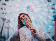 A bit obsessed with fair photos at the moment 🎡🍭 Carnival Photography, Fair Photography, Portrait Photography Poses, Creative Photography, Bff Pictures, Senior Pictures, Senior Pics, Chicago Murals, Fall Carnival