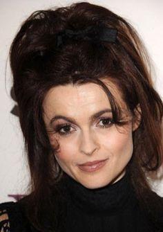 Helena Bonham Carter Helena Bonham Carter, el más joven de tres hijos de Raymond Bonham Carter, un banquero mercantil y Elena Bonham Carter (née Propper de Callejón), psicoterap ...