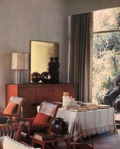 The original interior of Luis Barragán's Casa Prieto-Lopez. Estilo Interior, Interior Styling, Interior Decorating, Interior Design, Interior Architecture, Interior And Exterior, 1950s Interior, Living Room Decor, Living Spaces