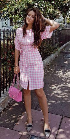 Idée et inspiration look d'été tendance 2017   Image   Description   #summer #outfits Can You Guess What Is My Favourite Colour?  // Shop this outfit in the link