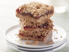 Ya know what's smart? Combining That's Smart! ingredients to create these easy baked bars with classic American flavors: PB & J. Cooking Oatmeal, Grape Jelly, Brownie Bar, Yummy Cookies, Desert Recipes, Baking Pans, Cookie Bars, Brownies, Snacks