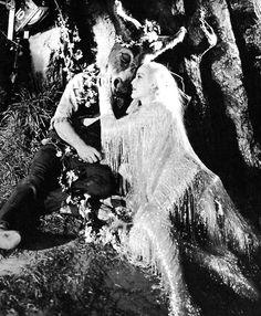 mandy-rascal: James Cagney & Anita Louise A Midsummer Night's Dream, 1935 Shakespeare In Love, William Shakespeare, Shot Film, James Cagney, Old Hollywood Style, Olivia De Havilland, Fantasy Films, Midsummer Nights Dream, Movie Costumes