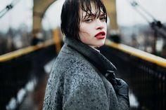 портрет девушки под дождем. Фото Ивинская Настя.
