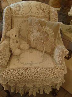 teddy on a lacy armchair Source: shabbyideas, via this-is-the-thyme