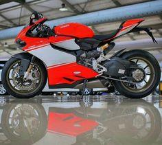 Ducati 1199 Panigale Superleggera