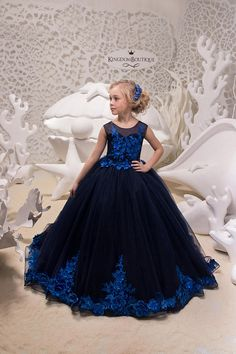Please read our store policies before placing your order here https://www.etsy.com/ru/shop/Butterflydressua/policy Beautiful Navy Blue flower girl dress with multilayered skirt, corset with lace applique, and lacing. Item material: upper layer of the skirt- tulle with lace