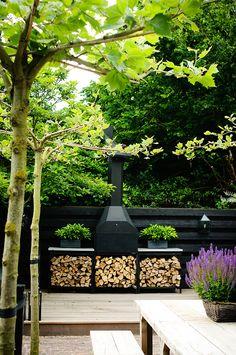 De geheime tuin backyard decks in 2019 сад, диза Back Gardens, Outdoor Gardens, Outdoor Rooms, Outdoor Living, Dream Garden, Home And Garden, Outdoor Landscaping, Backyard Decks, Outdoor Fire
