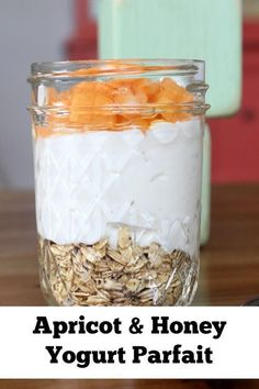This Mason jar recipe is definitely a sweet treat that is sure to give you a whole new appreciation for the simple ingredients like apricots, honey, and yogurt. Tip: Whip this Mason jar breakfast up when apricots are in season and you can get them fresh f Mason Jar Breakfast, Breakfast Bar Kitchen, Eat Breakfast, Breakfast Ideas, Mason Jar Meals, Meals In A Jar, Mason Jars, Greek Yogurt Parfait, Vanilla Greek Yogurt