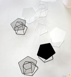 Tectonic side table with pentagonal shaped top - ARREDACLICK