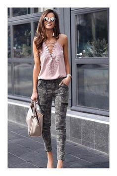 monday morning outfit ideas to look polished and stylish 35 Camo Fashion, Love Fashion, Fashion Outfits, Womens Fashion, Fashion Trends, Camo Outfits, Casual Outfits, Summer Outfits, Camo Jeans Outfit