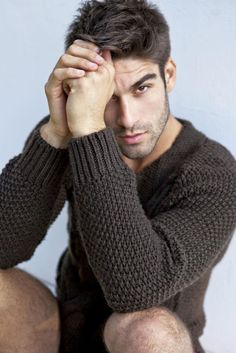 Leonardo Marques. Cardigans and Sweaters