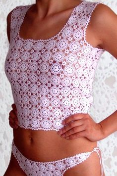 Several crochet tops Crochet Lingerie, Crochet Bra, Crochet Bikini Pattern, Crochet Woman, Crochet Tops, Shorts Crochet, Crochet Blouse, Crochet Clothes, Woman Outfits