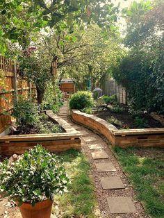 Awesome 38 Raised Bed Gardening Landscape Design Ideas homiku.com/... #raisedbedslandscaping