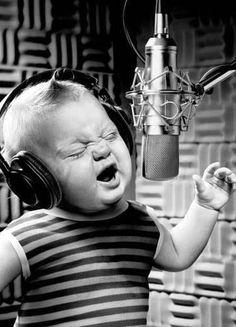me la canto; e me la suono