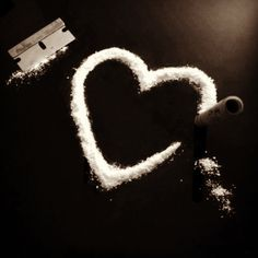 Discovered by 𝕶𝖊𝖓𝖟𝖆. Find images and videos about heart, drugs and cocaine on We Heart It - the app to get lost in what you love. Grunge Soft, Skins Uk, Asuna, Britney Spears, Life Is Beautiful, Beautiful Disaster, Find Image, We Heart It, Backgrounds