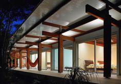 Casa na Praia Preta por Nitsche Arquitetos - http://www.galeriadaarquitetura.com.br/projeto/nitsche-arquitetos_/casa-na-praia-preta/655