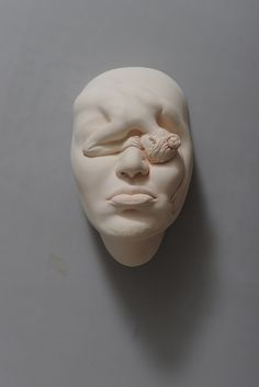 Eyes on Chinese sculptor Johnson Tsang and his amazing Lucid Dream Series. Johnson Tsang is an exceptional artist who skillfully combines figurative Johnson Tsang, Keramik Design, Lucid Dreaming, Sculpture Clay, Human Sculpture, Ceramic Sculptures, Ceramic Artists, Art Plastique, Oeuvre D'art