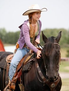 Amber Marshall as Amy Fleming on Heartland Heartland Ranch, Heartland Seasons, Heartland Tv Show, Heartland Georgie, Heartland Actors, Amber Marshall, Marshall Lee, Cowgirl And Horse, Horse Girl