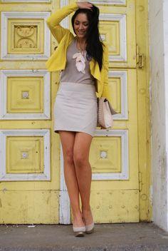 Stylish! Beige and yellow
