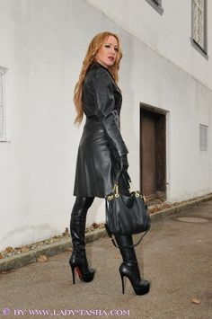 Do you think that Lady Tasha is really sexy Mark Shavick darling? Long Leather Coat, High Leather Boots, Black Leather Gloves, Leather Trench Coat, Black Leather Dresses, High Boots, Leather Fashion, Fashion Boots, Emo Fashion