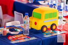 Kinno's Transportation Themed Party – Kiddie table setup