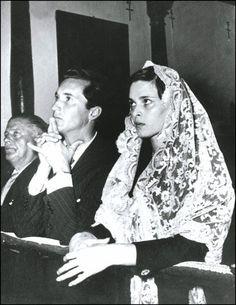 Lucia Bose and Luis Miguel Dominguin(19 de octubre de 1955)